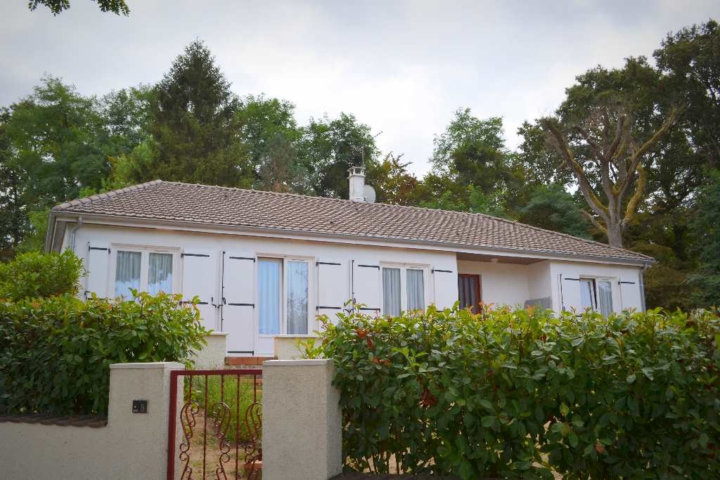 Targe vente maison 5 pi ces 130m2 180 200 r f for Agence pierre chatellerault